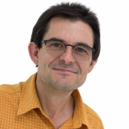 Bernhard Arbogast ist gelernter Elektriker aus Karlsruhe.